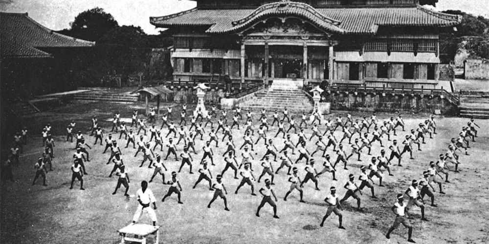 historia-karate-trening-okinawa-shuri-zamek-shinpan-gusukuma-shiroma